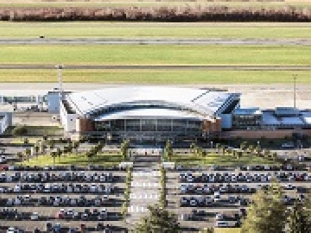 Pau Pyrenees Airport welcomed more than 600 000 passengers in 2017